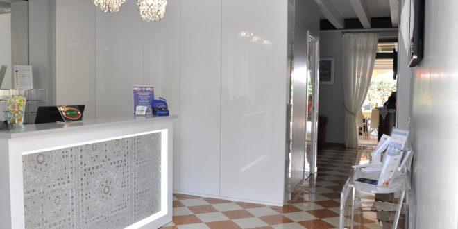 reception-Hotel-Albergo-Fontana-Verona