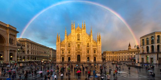 Mailänder Dom in Italien mit Regenbogen