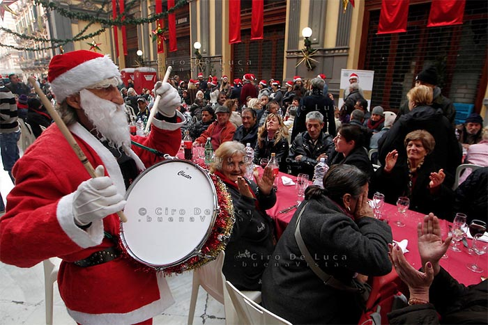 Il Pranzo di Natale a Napoli...una bella iniziativa.