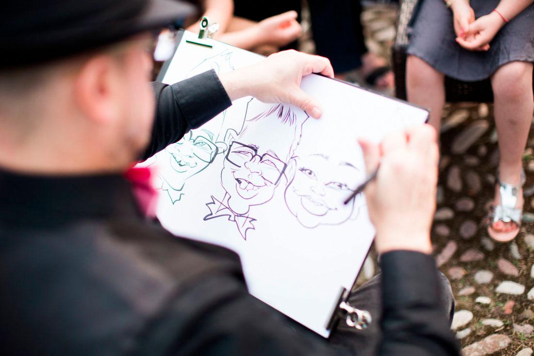 Berna, caricaturista per matrimoni fa arte e animazione.