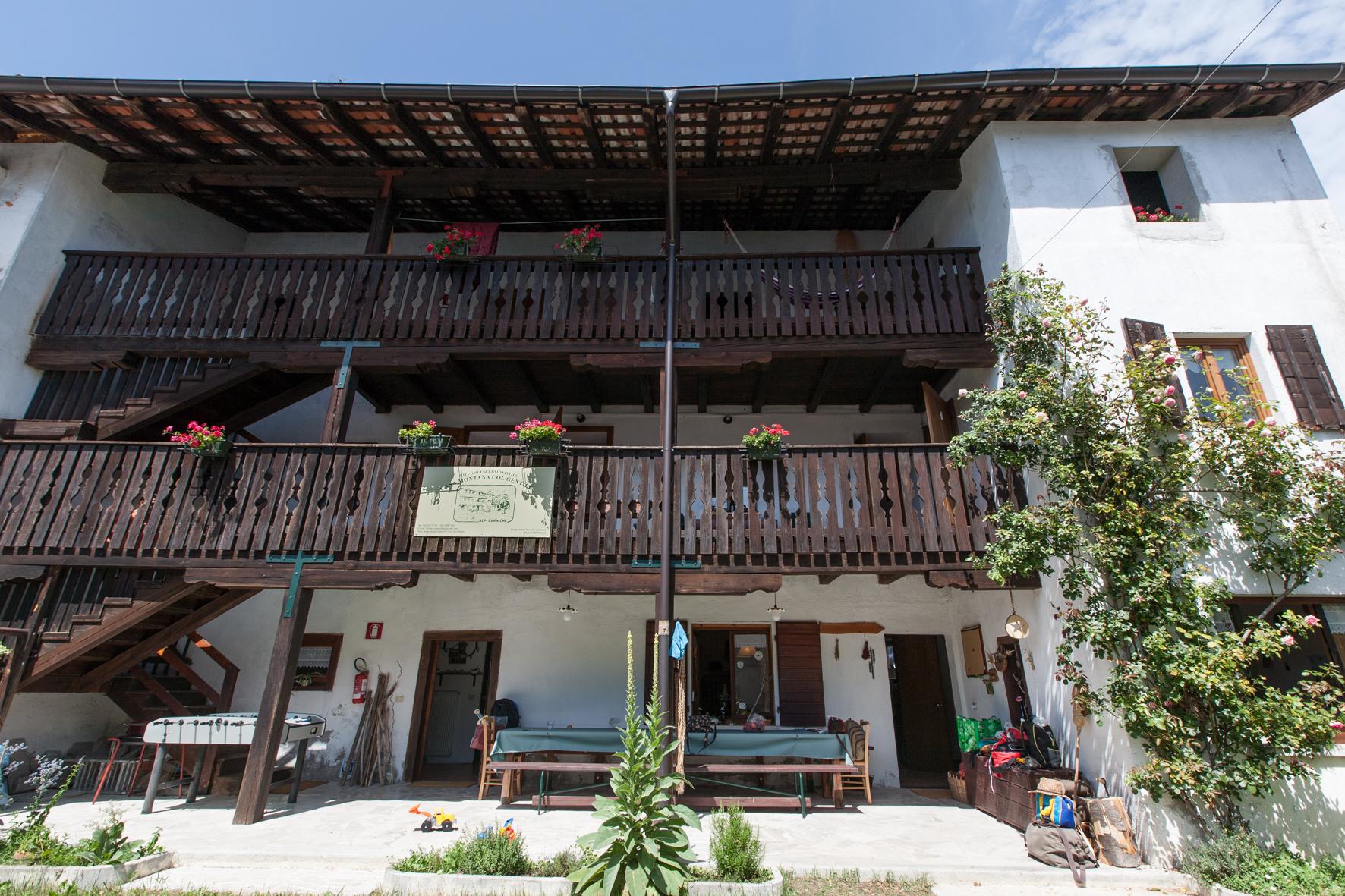 """Il Rifugio Escursionistico """"Casa Montana Col Gentile"""" in Val Tagliamento per scoprire e vivere il contesto ambientale e culturale."""