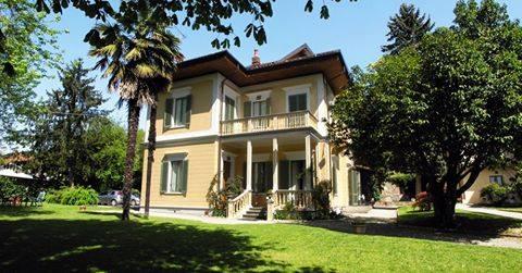 Villa d'Azeglio: il fascino e lo stile di una dimora  di campagna.