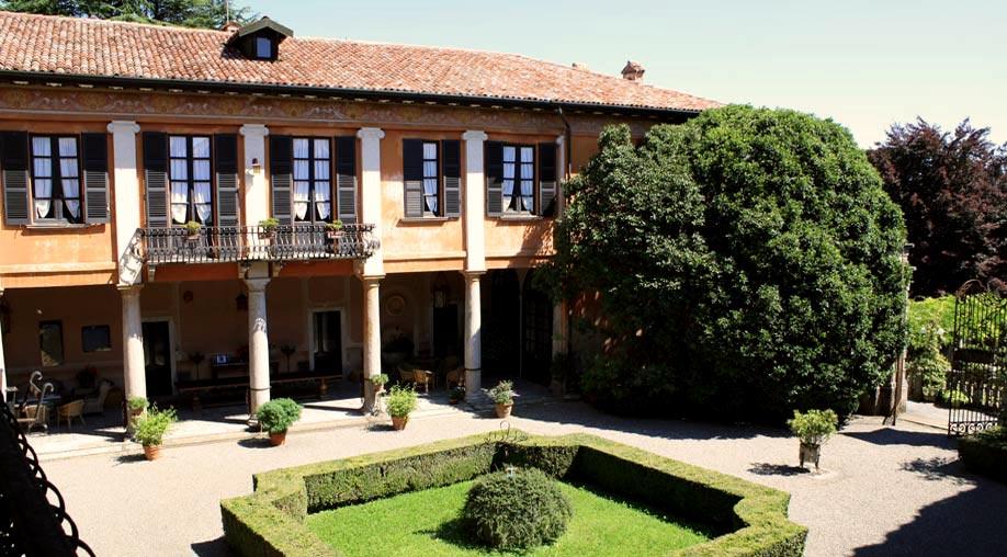 Villa Morotti: pronti ad accogliere i vostri momenti migliori.